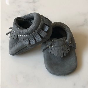 Charcoal freshly picked moccasins – size 1